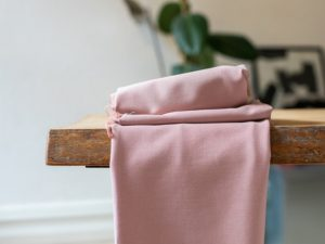 Meet MILK Soft Stretch Twill mit TENCEL™ Fasern puff