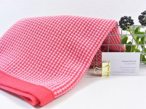 80 cm Honeycomb Knit by clarasstoffe strawberry shake