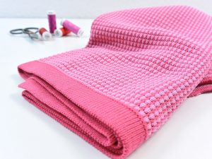 80 cm Honeycomb Knit by clarasstoffe raspberry kiss