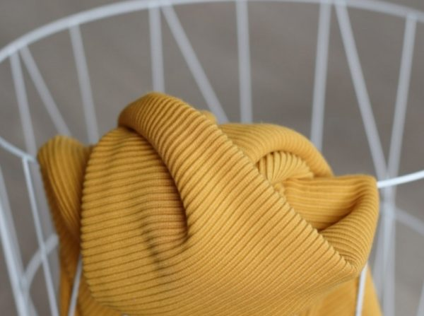Meet MILK Self- Stripe Ottoman Knit mit LENZING™ ECOVERO™ Fasern amber