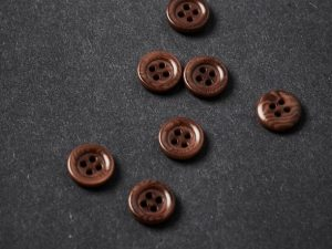Meet MILK | Frame Corozo Button pecan