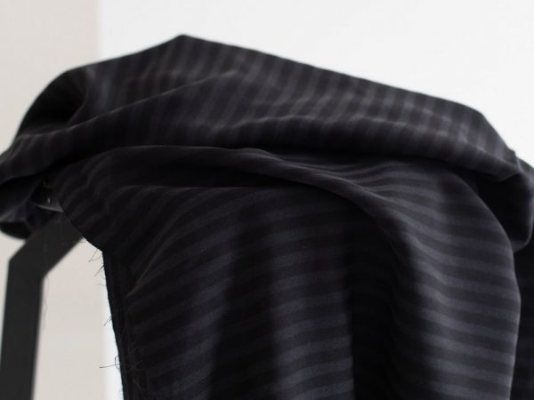 Meet MILK Two- Tone Stripe Twill mit TENCEL™ Fasern black