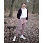 Hose Billie | Art Déco bordeaux und Cardigan Lene | Light Boiled Wool plum