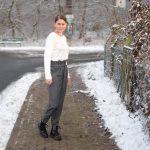 Hose Dagy | Rectangle grey und Shirt Greta | Soft Lima Knit bright white