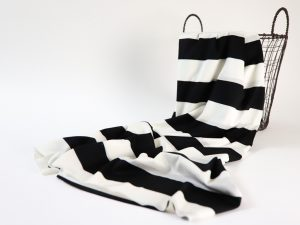 Fashion T-Shirt Jersey aus Produktionsüberhang | Really Big Stripes black and white
