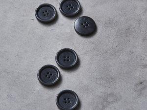 Meet MILK   Dish Corozo Button 25mm   Anchor