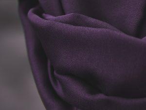 Meet MILK Smooth Drape Twill mit TENCEL™ Fasern | purple night