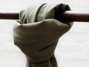 Meet MILK Soft Stretch Twill mit TENCEL™ Fasern | khaki